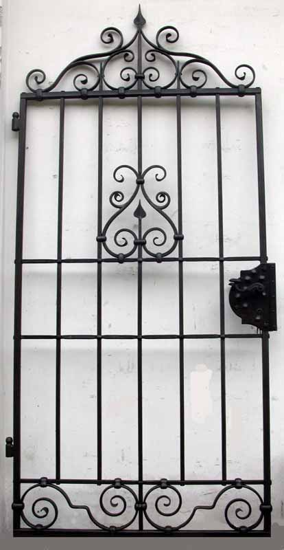 Fabbro zino ferro battuto artistico porta a cancelletto - Cancelletto in ferro battuto ...